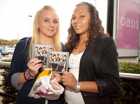 The Wanted signing HMV
