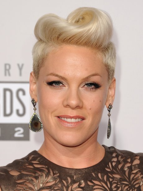 Pink arrives at the American Music Awards 2012