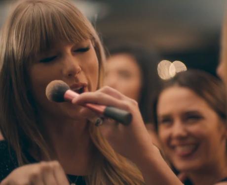 Taylor Swift 22 Music Video