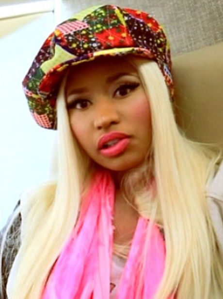 Nicki Minaj takes a new selfie for her fans