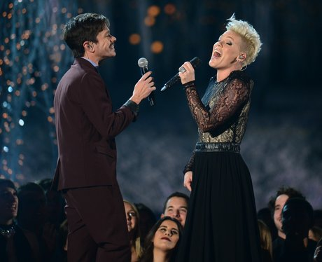 Pink and Nate Ruess perform 'Just Give Me A Reason ...