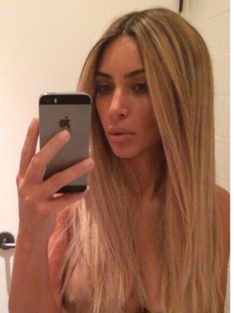 Kim Kardahian, Blonde, Fake, Wig