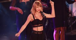 Taylor Swift performs on the Jimmy Kimmel show