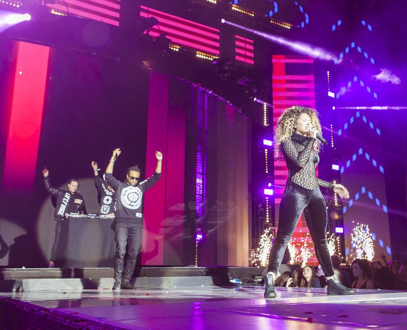 Sigma at the Jingle Bell Ball 2014