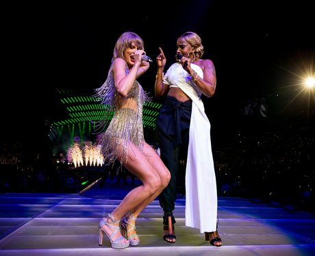 Taylor Swift and Mary J Blige on stage in LA